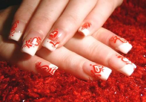 Маникюр красный с белым свадебный